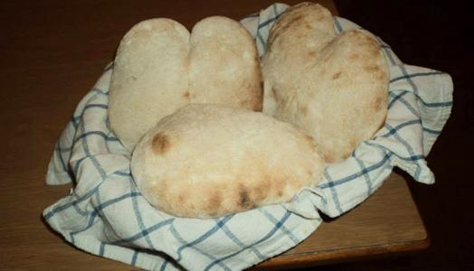 Pane-fatto-in-casa-con-il-lievito-madre