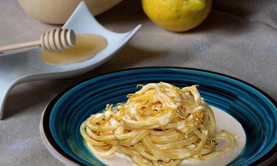 spaghetti-caciocavallo-miele-3-1200