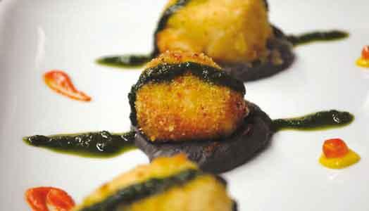 Capesante-dorate-su-crema-di-fagioli-neri