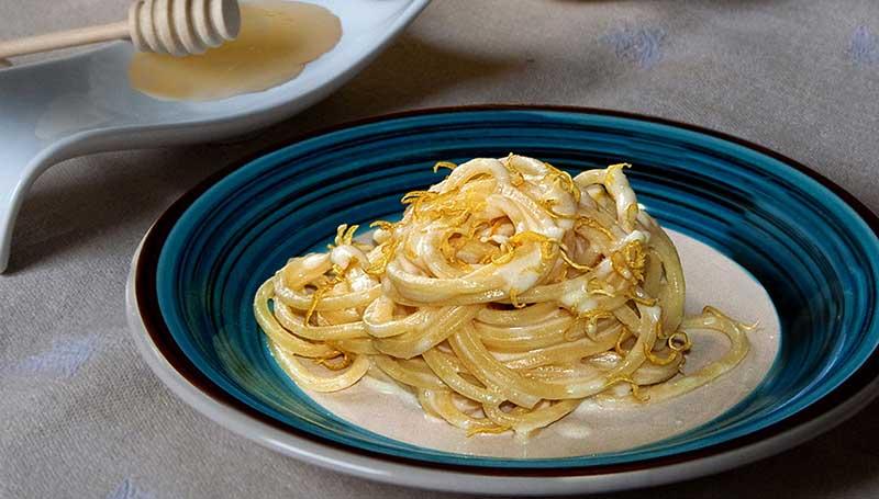 spaghetti-caciocavallo-miele-2